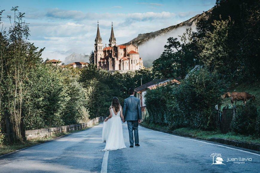 Fotografo_de_bodas_en_Asturias_Juan_Llavio_reportaje_de_boda_en_Cangas_de_Onis_Covadonga_3-870x580